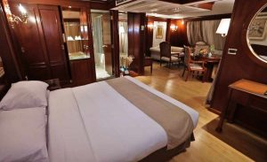 Tuya Suite cabin